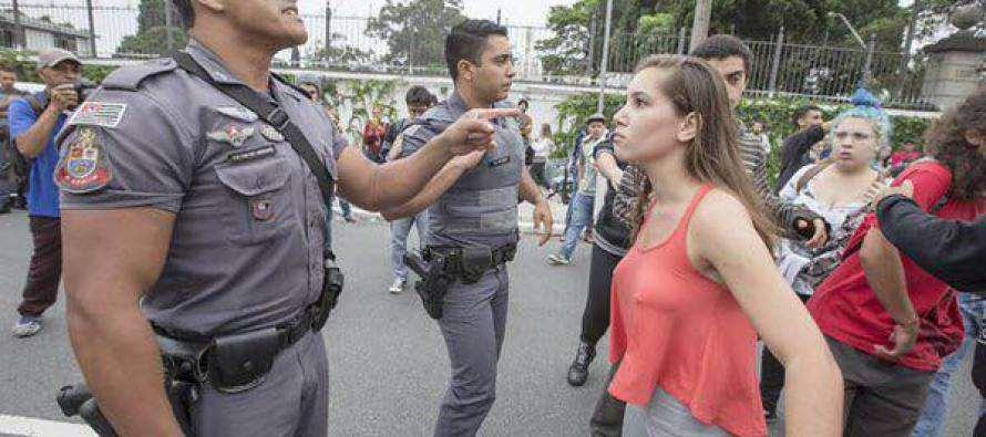 #NãoFecheMinhaEscola: Com queda na popularidade Alckmin suspende plano de reorganização das escolas Paulistas
