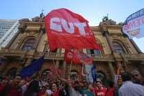 Com centrais unidas, metalúrgicos protestam contra as reformas do golpista Temer