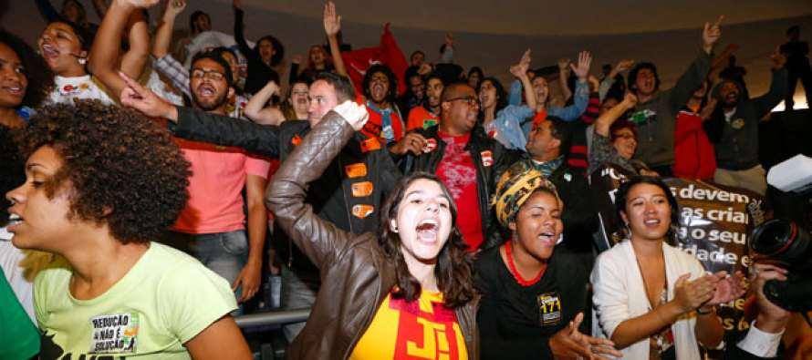 Vitória dos jovens: Câmara rejeita redução da maioridade penal