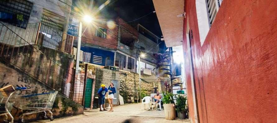 Haddad ilumina periferia de São Paulo com luz de LED