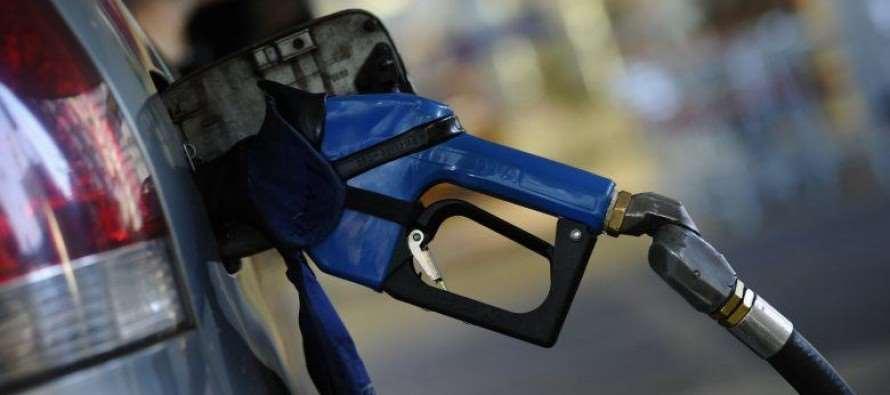 Temer faz brasileiro pagar R$ 0,41 a mais por litro de gasolina