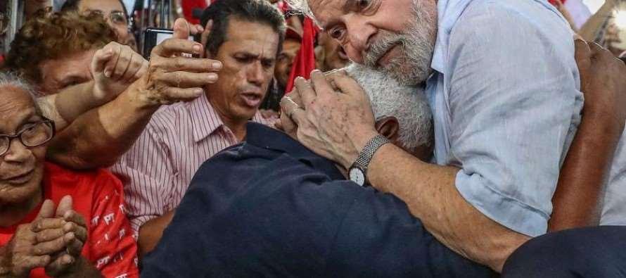 """Lula em Alagoas: """"Não posso permitir que o povo do Nordeste volte a carregar lata d'água na cabeça"""""""