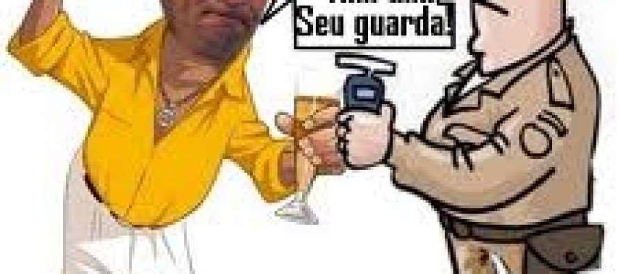 #Dilma fala da Lei Seca e Aécio se irrita