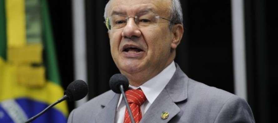 Senador Pimentel: Agressores de Stedile sairam das catacumbas da ditadura