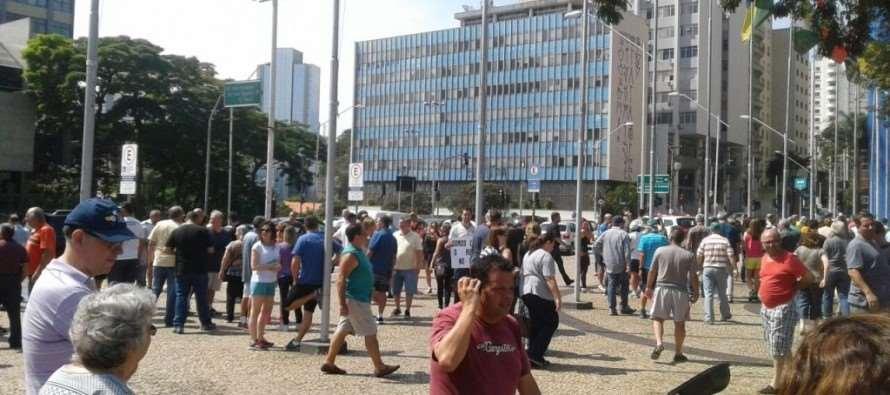 Moradores protestam contra reajuste do IPTU em Santo André