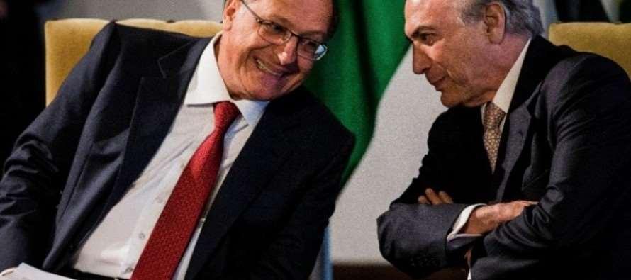 """Alckmin (PSDB) amplia ensino médio integral para legitimar reorganização disfarçada"", dizem professores"