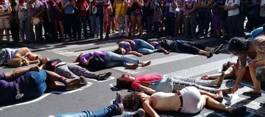 Milhares de mulheres saem às ruas em todo país contra violência e pela democracia