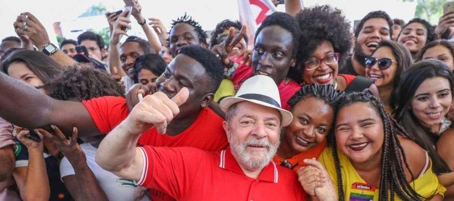 Pesquisa revela que maioria dos brasileiros (62,8%) vê Lula como insubstituível