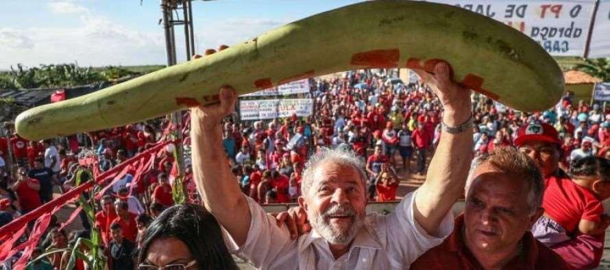 """Em Caravana, Lula diz: """"Vocês são exemplos de luta"""" para assentados no Sergipe"""