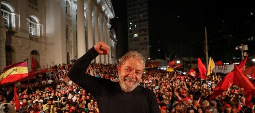 Vox: com 41% das intenções de votos, Lula continua imbatível