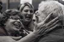 """O Partido dos Trabalhadores é imortal"", exalta Lula"