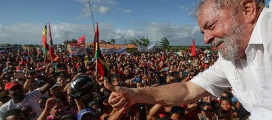 New York Times: Lula é o líder mais popular do Brasil